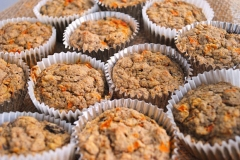 Carrot-cake-oat muffin