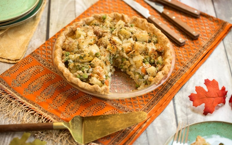 21 Vegan Christmas Recipes - Hearty Vegetable Pot Pie