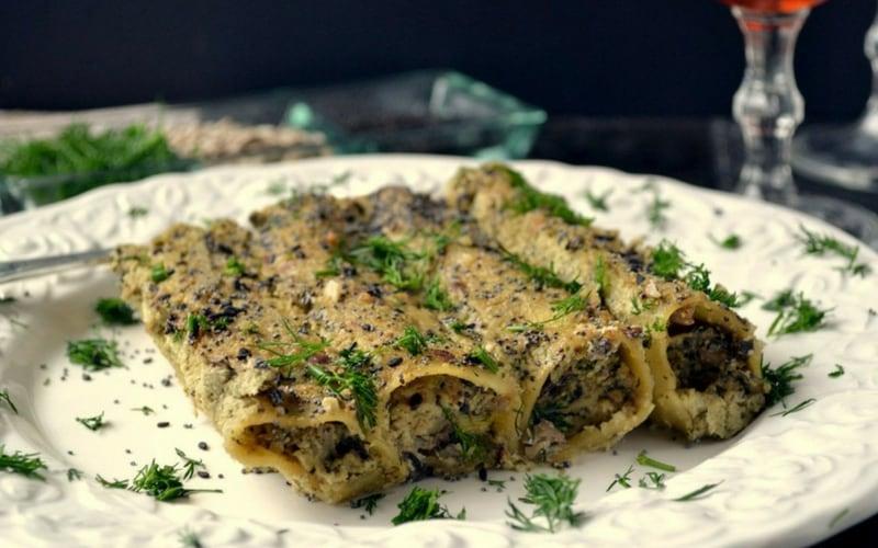 21 Vegan Christmas Recipes - Mushroom Stuffed Cannelloni