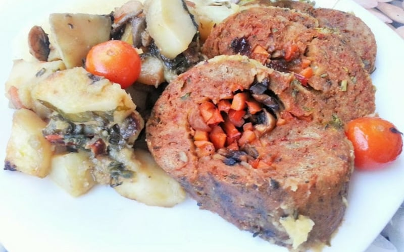 21 Vegan Christmas Recipes - Vegetable Stuffed Seitan Roast